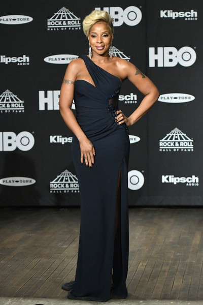 Mary J. Blige: Cut-Outs Are For The Kids