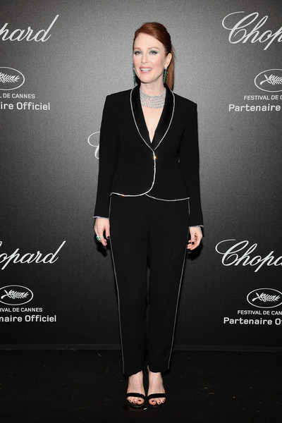 Julianne Moore: Wear Shirts Under Your Suits