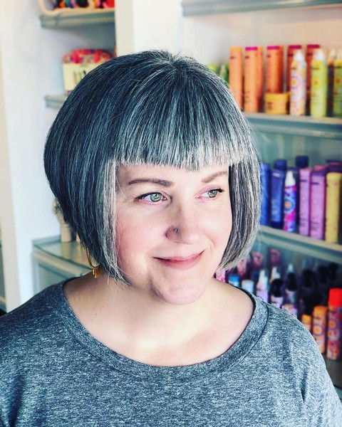 Edgy Gray Haircuts These Aren T The Gray Hairstyles Your Grandma Wore It S Rosy